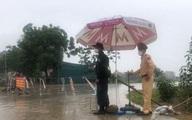 """Những khoảnh khắc """"vượt nắng, thắng mưa"""" của Công an Bắc Giang thời dịch"""