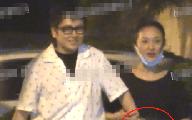 Châu Tấn bị bắt gặp liên tục xoa bụng, rộ nghi vấn mang bầu ở tuổi 47?