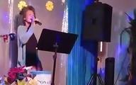 Kim Ngân lần đầu trình diễn trước khán giả sau 20 năm hóa điên nhưng có chi tiết này khiến netizen phẫn nộ
