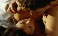 Vừa 'ân ái' xong cô vợ ôm mặt òa khóc và cuộc nói chuyện sau đó hé lộ bí mật khiến hai vợ chồng ngỡ ngàng