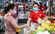 Test nhanh COVID-19 người bán hàng ở chợ hàng tuần, phát thẻ đi chợ ngày chẵn - lẻ