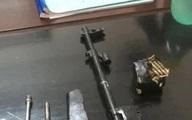 Tài xế xe máy mang theo khẩu AK và 19 viên đạn