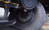 Xử trí khi xe ôtô bị nổ lốp