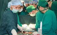 Cứu sống bệnh nhân tự dùng kéo đâm thủng tim