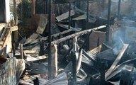 Cháy lớn thiêu rụi 8 nhà dân