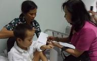 Tình nhân ái bao la tiếp tục đến với bé 5 tuổi mồ côi bị nhiễm trùng nặng