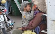 Bức ảnh 'Hai bà cháu' lấy nước mắt giới trẻ