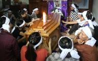 Xóm nghèo đau đớn đón thi thể vụ tai nạn thảm khốc tại Thái Lan