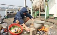 """Thủy thủ Việt ở Ấn Độ """"le lói"""" hi vọng trở về"""