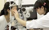 """Bà bầu """"dính"""" đau mắt đỏ: Hạn chế tối đa dùng thuốc khi có thai 3 tháng đầu"""
