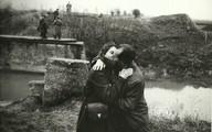 Ngắm chùm ảnh lãng mạn về tình yêu trong thế chiến thứ 2