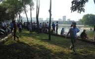 Phát hiện thi thể bán nude treo cổ trên đảo giữa hồ Linh Đàm