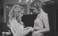 Bộ ảnh cưới kỳ lạ của cặp đồng tính nữ gây sốt Internet