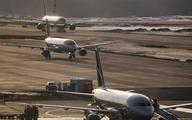 Máy bay hạ cánh khẩn cấp vì... cãi cọ trong toilet