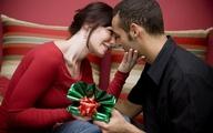 Phụ nữ thích được tặng quà gì nhất?