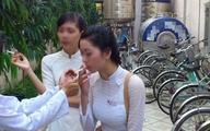 Sốc nữ sinh yêu kiều đốt thuốc như người nghiện
