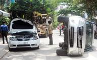Ôtô chở giám đốc gây tai nạn liên hoàn