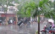 Hà Nội mưa giông, có thể xảy ra tố lốc
