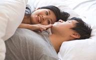 Khêu gợi chồng trên giường