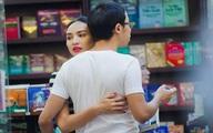 Hoa hậu Ngọc Diễm ôm ấp tình cảm người yêu đại gia ở hiệu sách