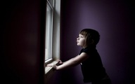 Thế giới bí ẩn của một bé gái 3 tuổi mắc bệnh tự kỷ