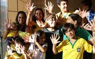 Gia đình Brazil kỳ dị đều có 6 ngón tay và 6 ngón chân