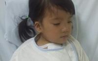 Cô bé 4 tuổi không có tiền mổ tim đã được phẫu thuật miễn phí