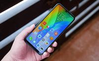 """Loạt smartphone tầm trung và giá rẻ sở hữu pin """"khủng"""" đáng lựa chọn"""