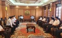 Chủ tịch HĐTV EVNNPT thăm và trao 1 tỷ hỗ trợ người dân vùng lũ hai tỉnh Quảng Nam, Quảng Ngãi