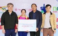 Báo Gia đình và Xã hội trao quà hỗ trợ đến người dân xã Tân Hóa, tỉnh Quảng Bình