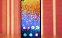 """Loạt smartphone giá tiền """"đầu 3"""" với màn hình lớn, pin khỏe"""