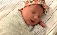 Em bé Mỹ chào đời từ phôi đông lạnh năm 1992
