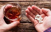 Uống rượu trong khi dùng thuốc trị đái tháo đường, tăng biến chứng