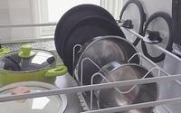 Nắp xoong nồi, cất trữ sao cho khéo léo và đẹp mắt trong căn bếp nhỏ