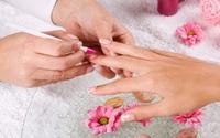 Khi làm nails chị em cẩn thận nguy cơ hít phải loại hóa chất cực độc này