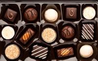 Bỏ sô cô la vào tủ lạnh ăn dần vì sợ chảy nước, sai lầm của nhiều người