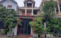 Bắt đối tượng tạt a xít người phụ nữ ngay trước cổng nhà