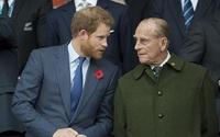 Hoàng tử Harry lần đầu tiên nói về ông nội khi trở về Anh chịu tang