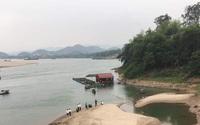 Tìm kiếm 2 học sinh lớp 7 bị nước cuốn trôi khi tắm trên sông Đà