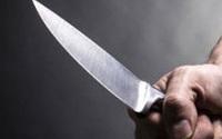 Mẹ ra tay đâm bị thương vì quá nghe lời bạn gái