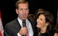 Chân dung cô con dâu vướng chuyện tình ái với em chồng trong gia đình Tổng thống Joe Biden