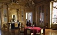 Bê bối 'tiệc tùng bí mật' giữa đại dịch ở Paris