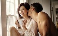 Khi đã tắt đèn phòng ngủ, chồng bạn tự nguyện làm những việc này vì vợ thì chứng tỏ anh ấy đã coi bạn như báu vật của đời mình