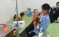 Rơi vào cảnh túng quẫn, vợ chồng nghèo khẩn thiết cầu xin sự sống cho hai con cùng mang bệnh tan máu bẩm sinh