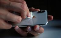 Những điều cần tránh khi lau chùi điện thoại