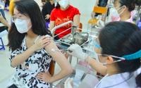 Ổ dịch chung cư Đền Lừ đã có 17 ca mắc COVID-19, gần 5,5 triệu người ở Hà Nội được tiêm vaccine