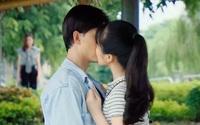 """Hương vị tình thân tập 108 (tập 37 phần 2): """"Trà xanh"""" chủ động hôn chồng Thy, thực hiện lời thách thức với chính thất"""
