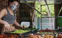 Hàng cơm, phở trong 'vùng xanh' ở Hà Nội bắt đầu mở cửa trở lại