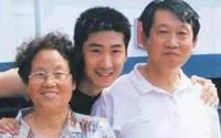 """""""Phúc Nhĩ Khang"""" Châu Kiệt hiểu về cuộc đời khi ôm bình tro cốt của mẹ"""