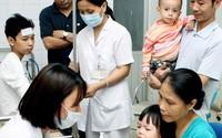 """Nâng cao chất lượng khám chữa bệnh: Chuyện """"khó đỡ"""" quanh đường dây nóng"""